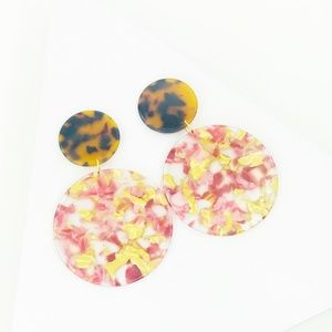 CLOSET REHAB Jewelry - Circle Drop Earrings in Pink and Yellow with Torti